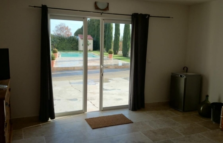 porte de garage cavaillon vaucluse les portes du luberon. Black Bedroom Furniture Sets. Home Design Ideas